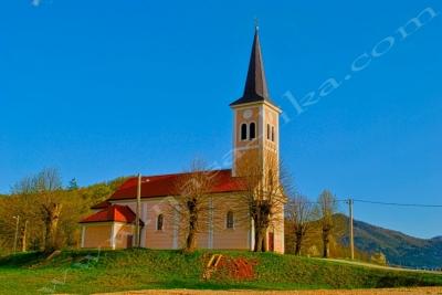 http://slike.nasa-lika.com/albums/Licki%20Gradovi%20i%20sela/Prozor/Crkva_u_Prozoru.jpg